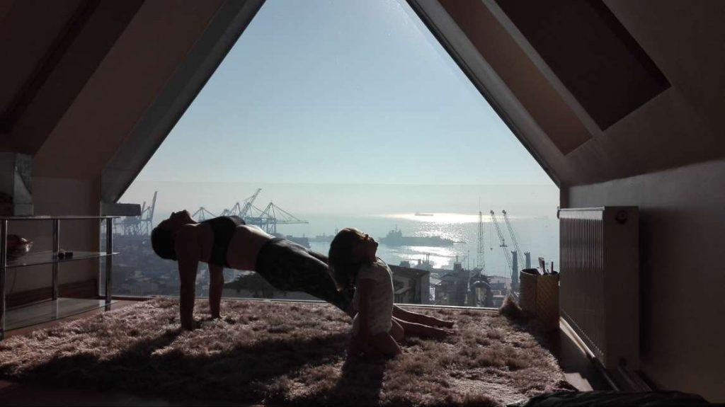 Mami, ¿Hacemos yoga? Autora: Gabriela Litschi.