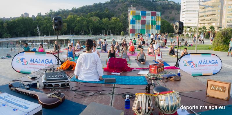 Yoga Deporte en Feria. Gracias por vuestra participación. Fotos @ssmarrero